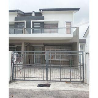End Lot Double storey at Camellia Residence, Semenyih For Rent.
