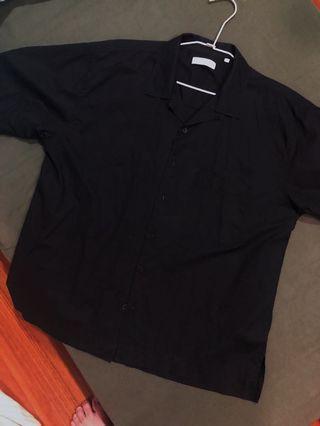 Plain-me 黑色開襟短袖襯衫 M號