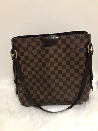 🚚 Louis Vuitton Rivington Damier Handbag