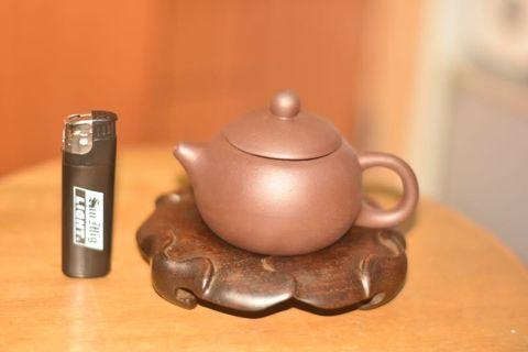 紫砂茶壼乳頂紫泥款