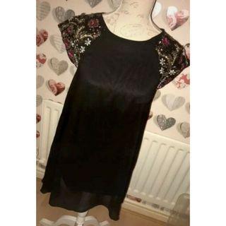 Stunning NEW LOOK Floral Embellished Keyhole Dress  M size