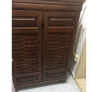 Beautiful solid wood Shoe Rack - dark brown