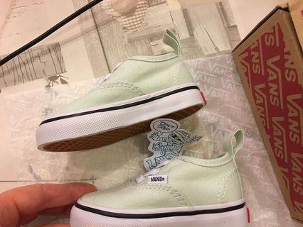 🚚 Baby first Vans shoes size 19