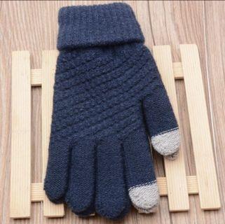 Women Black gloves