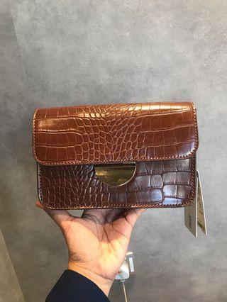 BN Esprit sling bag