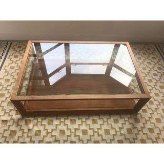 Decor8 Glass and Wood Coffee table - RP : 7,990HKD