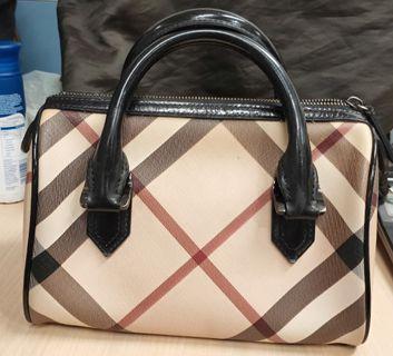 🚚 💯Authentic Burberry Small Nova Check Boston Handbag #MRTRaffles