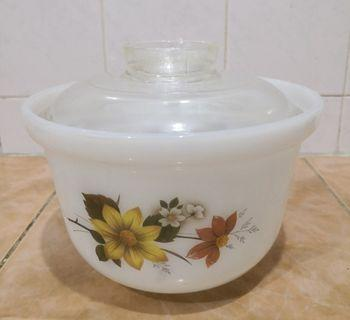 Pyrex autumn glory oven ware bowl