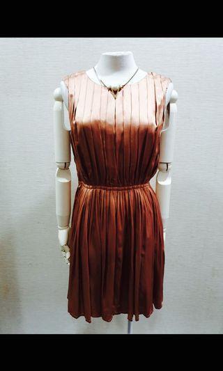 Iroo專櫃古銅百褶洋裝