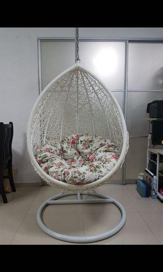 Swing chair - egg shape.