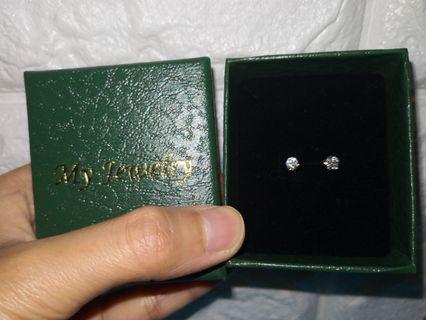 不議價 100%real n new 鑽石耳環 愛飾珠寶 0.223卡 9k375 原價2568,下月愛飾就會加價,把握機會。