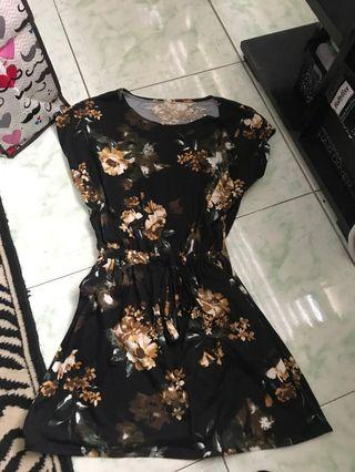 Repriced!! Floral Two pocket dress