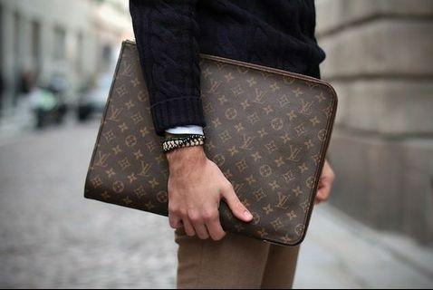 💯 Authentic Vintage Louis Vuitton Monogram Poche Documents Clutch.