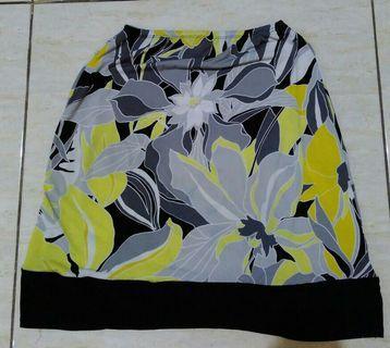 Flower yellow skirt