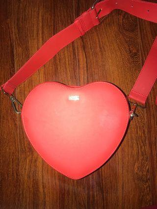 KIKKI K- Love Heart crossbody bag ❤️