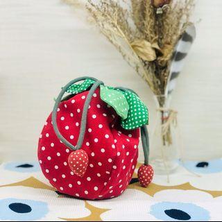 🚚 手工縫製 // 可愛點點草莓束口袋 小包包 零錢包 鑰匙包 手機包