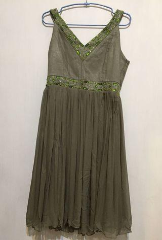 🚚 Q比小舖~全新絲質前後V領造型洋裝 小禮服