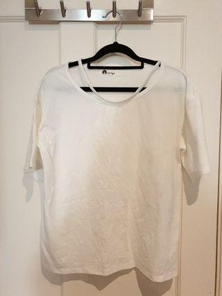 [SIZES UK: 8] White T-shirt