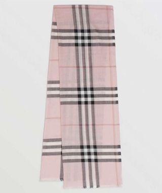 (現貨) 💗熱賣 Burberry scarf 薄款圍巾 220x70cm 51%Wool/ 49%Silk