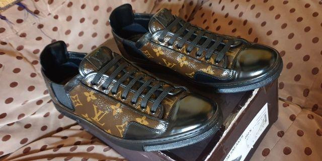 Authentic Louie Vuitton Slalom Monogram Macassar Sneaker