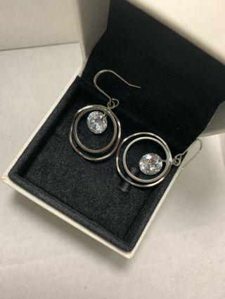 🚚 Circle Dangling Earrings