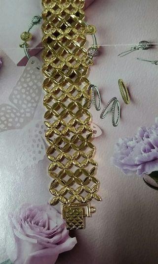 24k Gold Plated lv Bangle