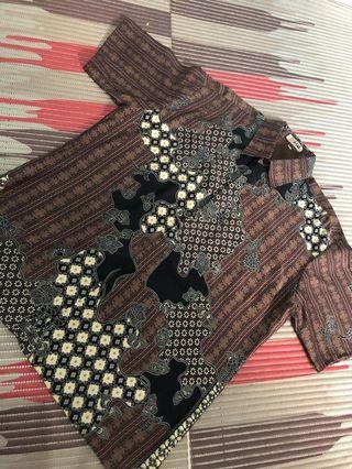 Kemeja batik semi sutra