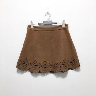 現貨💐LOVFEE 駝色民俗風麂皮雕花短裙 二手
