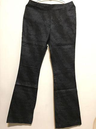 🚚 Q比小舖~九成新專櫃正品Theme彈性長褲