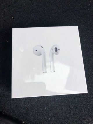 Apple Airpods w Wireless case