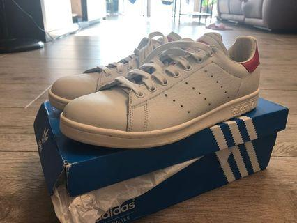 100%new and real 全新連盒紅色 UK 9 Stan Smith