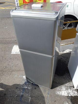 東之137公升2門小冰箱