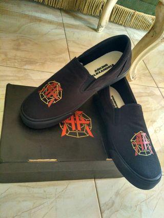 Di Jual Sepatu SLIP On ASKING ALEXANDRIA