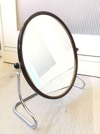 🚚 Table mirror