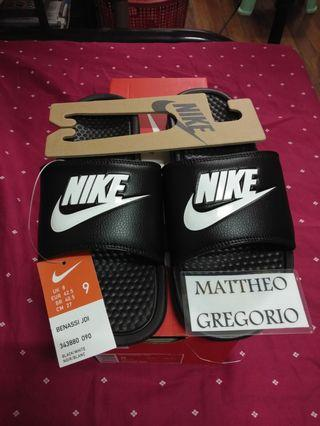 Nike Benassi JDI Size 9