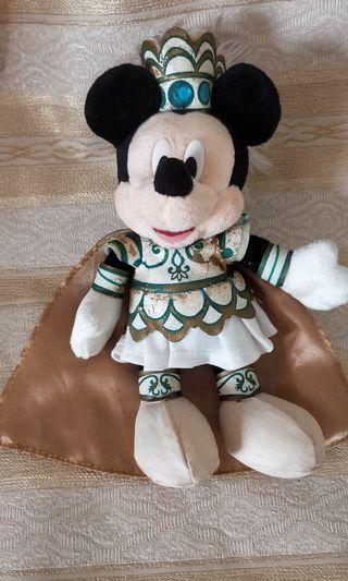 🚚 Authentic Disney Mickey 17cm Plush Keychain
