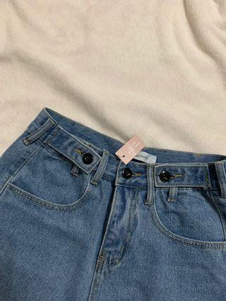 藍色五分牛仔褲