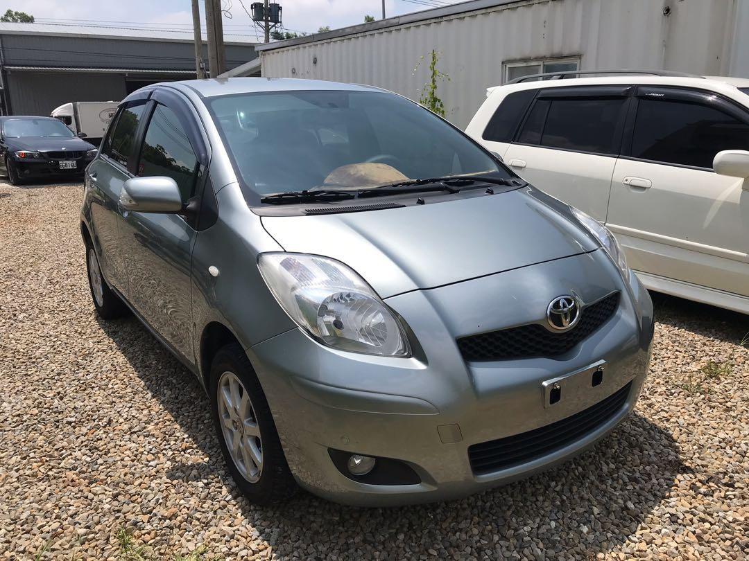 2014年 Toyota Yaris.     0902155901
