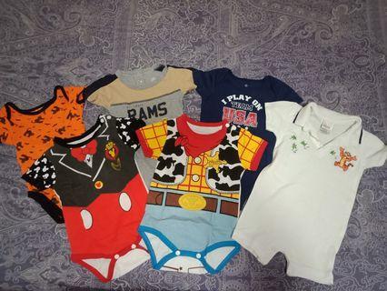 Set baby onesies