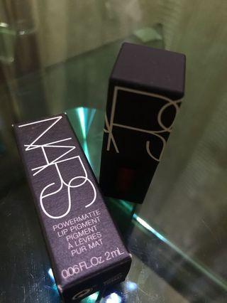 NARS 防掉色唇釉 lip pigment