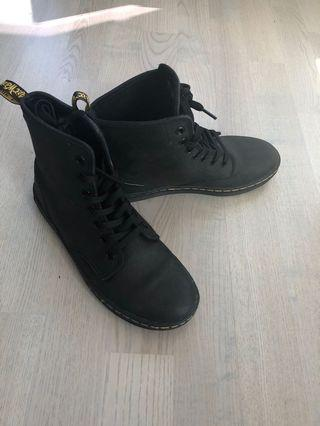 Doc martins (women's 7)