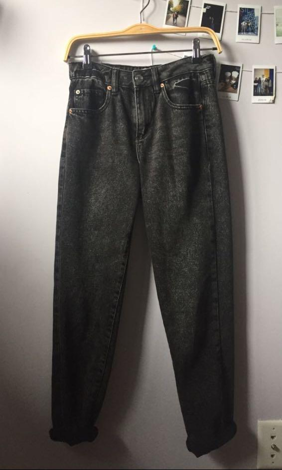 black mom jeans from garage (negotiable price)