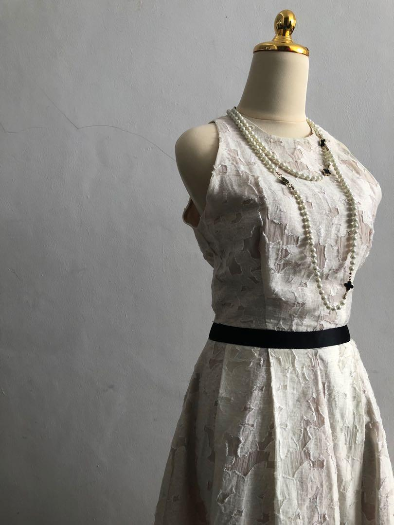 CIEL - Classy Vintage Lace dress