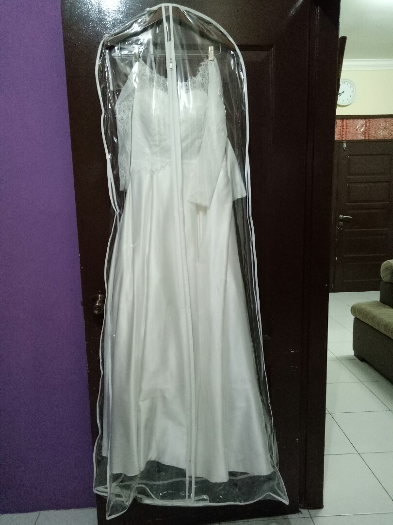 Clear wedding dress cover storage