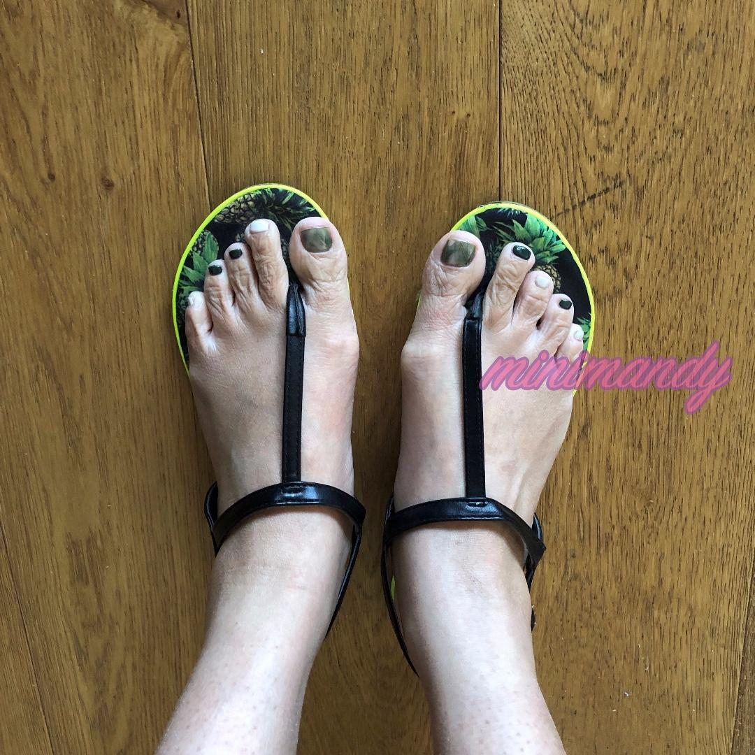 Miss KG black T-strap sandal flat pineapple tropical summer beach size 39 #SundayMarket