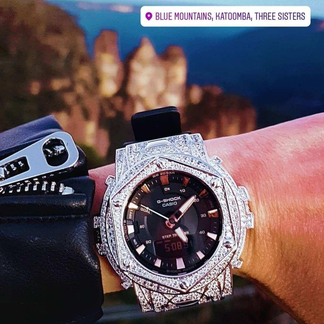 ORIGINAL SWAROVSKI  CASIO BABY-G / G-SHOCK WATCH   / special limited / couple series ❤ Limited stock / ready stock  Kindly pm me if you are interested ❤