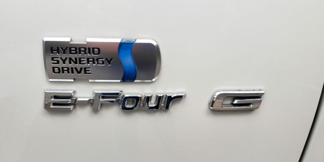 TOYOTA ESTIMA 2.4 Hybrid E-four G