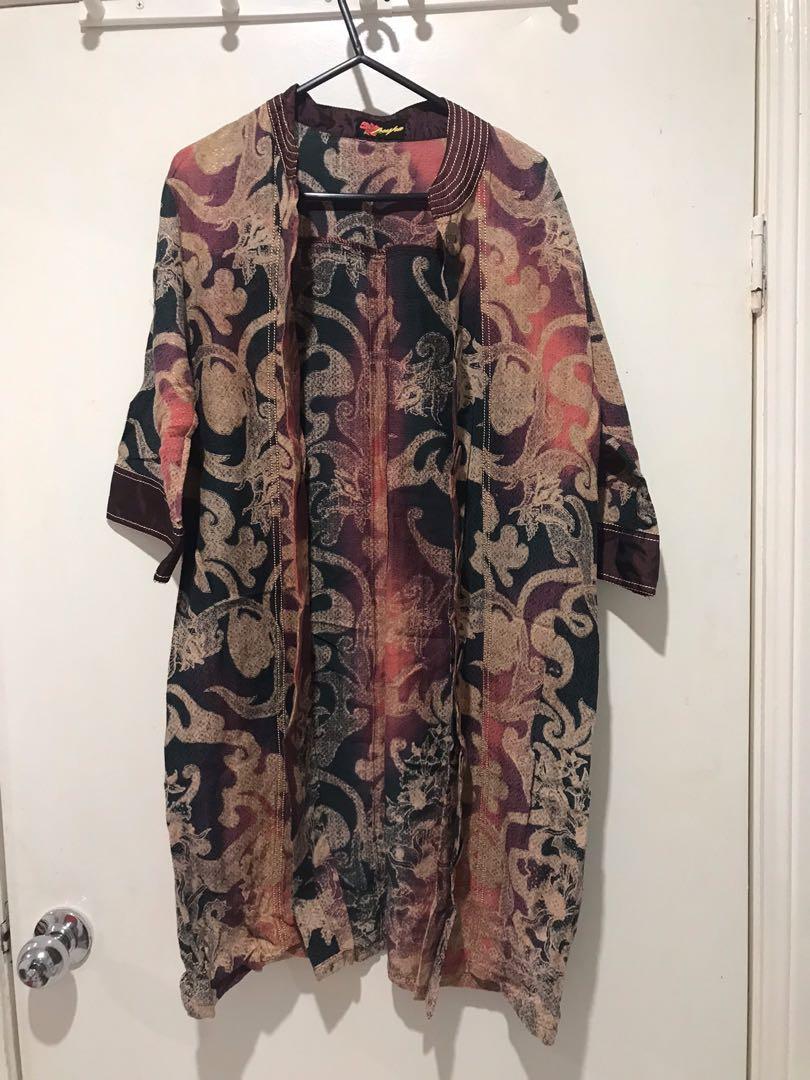 Vintage DECORATIVE FLORAL MOTIF PRINT KIMONO OVER COAT Jacket MAROON BEIGE Oversized