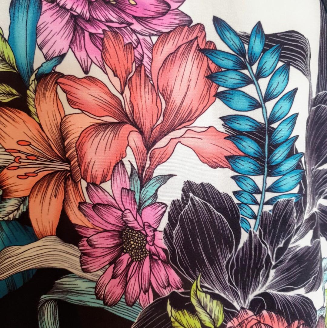 Women's size 8 'DOTTI' Stunning floral print racerback shift dress - AS NEW