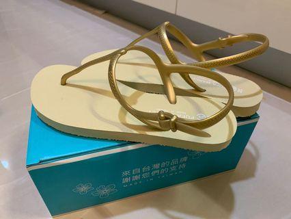 🚚 富發牌涼鞋 25號 全新